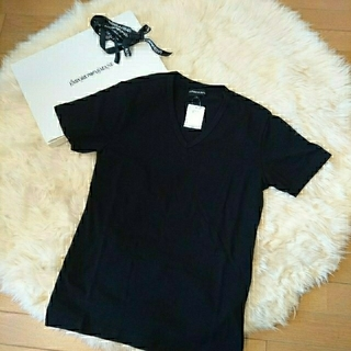 Emporio Armani - 【新品未使用】エンポリオアルマーニ VネックTシャツ ブラック Lサイズ