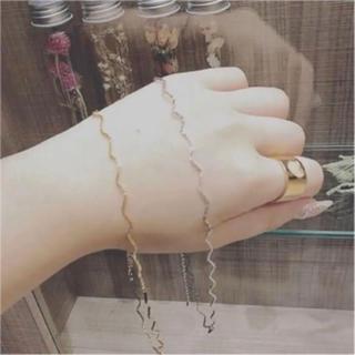 アメリヴィンテージ(Ameri VINTAGE)の【数量限定】トレンド♡うねうねチョーカー(ゴールド) ネックレス+.*(ネックレス)