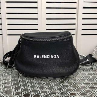 BALENCIAGA (バレンシアガ)レザーボディーバッグ希少品