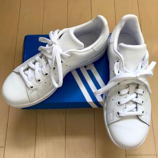 アディダス(adidas)の【新品】adidas STAN SMITH J アディダススタンスミス ホワイト(スニーカー)