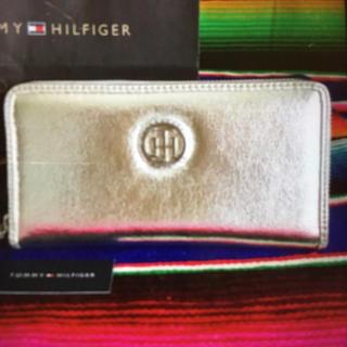 トミーヒルフィガー(TOMMY HILFIGER)のTOMMYトミーヒルフィガーUS限定ラウンドジップウォレット長財布silver(財布)