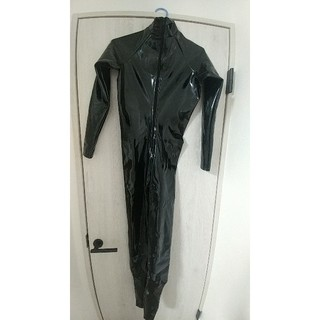 エナメルラバーキャットスーツ