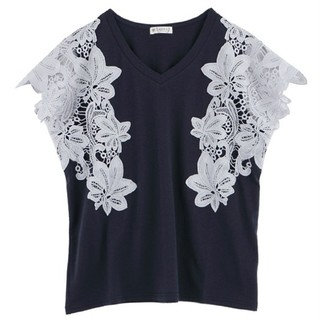 axes femme - ❮サマクリ♪お纏め値引き❯新品未使用♪axes  Vネック袖レースTシャツ♪