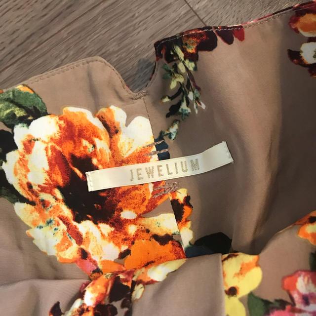 JEWELIUM(ジュエリウム)の夏〜秋色♡ ジュエリウム フラワーショートパンツ Sサイズ レディースのパンツ(ショートパンツ)の商品写真