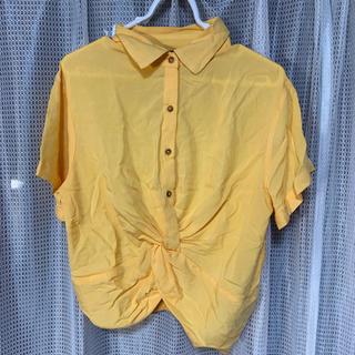フォーエバートゥエンティーワン(FOREVER 21)のショート丈シャツ(シャツ/ブラウス(半袖/袖なし))