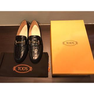 トッズ(TOD'S)の未使用 TOD'S トッズ ローファー 40.5サイズ(ローファー/革靴)