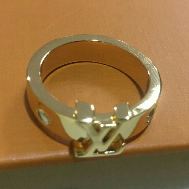 LOUIS VUITTON(ルイヴィトン)のルイヴィトン LV 指輪 リング レディースのアクセサリー(リング(指輪))の商品写真