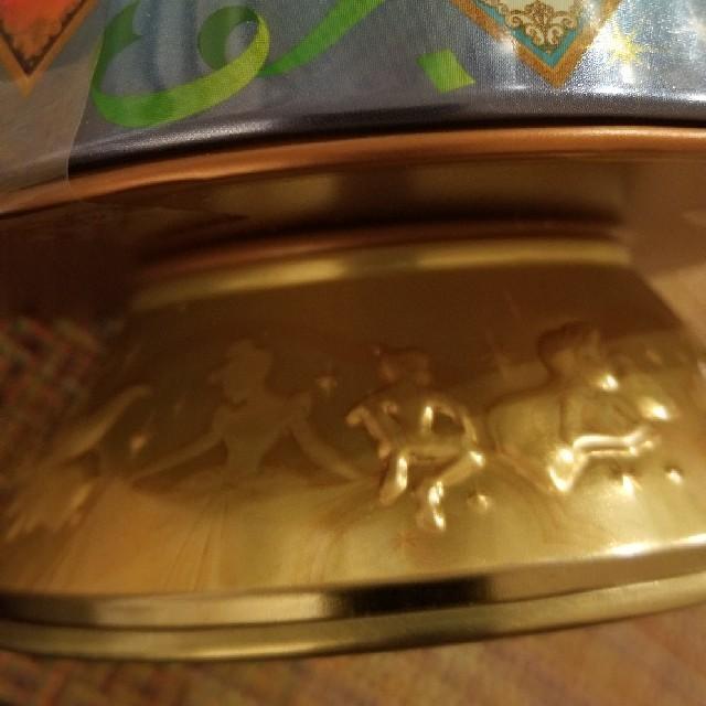 Disney(ディズニー)のディズニー 35周年 チョコ セレブレーションタワー クランドフィナーレ 缶 エンタメ/ホビーのおもちゃ/ぬいぐるみ(キャラクターグッズ)の商品写真