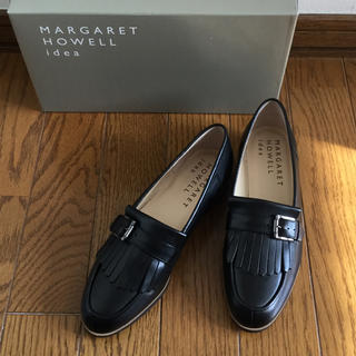 マーガレットハウエル(MARGARET HOWELL)の新品未使用 MARGALET HOWELL フリンジ ローファー フラット 黒(ローファー/革靴)