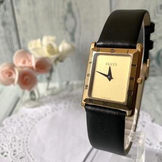 Gucci - 【希少】GUCCI グッチ 4200M 腕時計 スクエア ゴールド