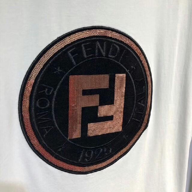 FENDI(フェンディ)のFENDI Tシャツ メンズ  半袖  ファッション  夏おしゃ  かっこい メンズのトップス(Tシャツ/カットソー(半袖/袖なし))の商品写真
