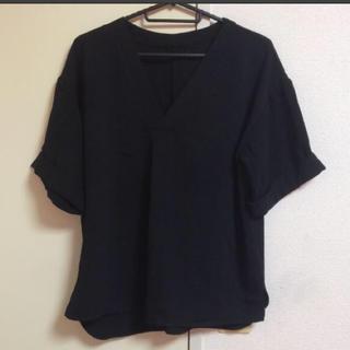 INGNI -  美品 イング INGNI  Vネック 半袖 カットソー Mサイズ 黒