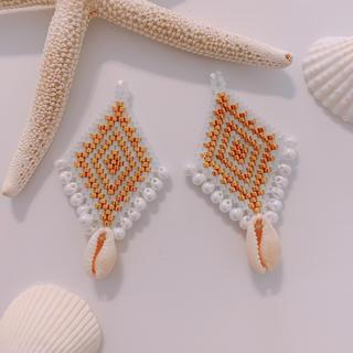 ビーズ刺繍×カウリ イヤリングorピアス(ピアス)