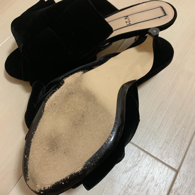 N°21(ヌメロヴェントゥーノ)のヌメロ・ヴェントゥーノ ミュール ブラック 状態良好です レディースの靴/シューズ(サンダル)の商品写真