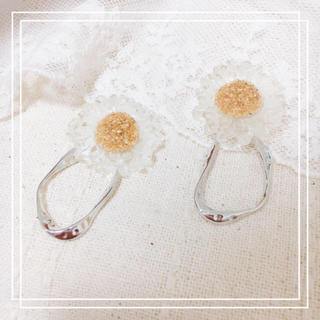 カスタネ(Kastane)のclear flower×silver ring*.(ピアス)