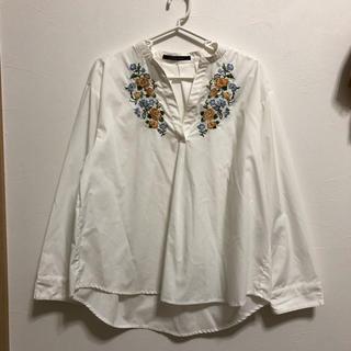しまむら - ホワイト刺繍シャツ