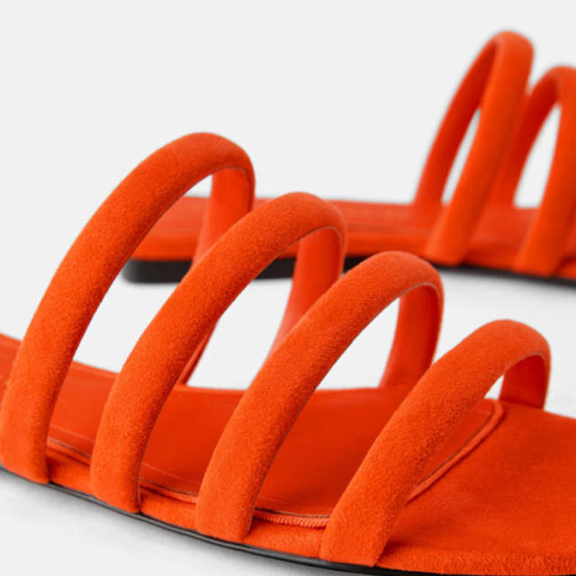 ZARA(ザラ)のzara フラットサンダル 40 レディースの靴/シューズ(サンダル)の商品写真