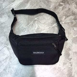 バレンシアガ(Balenciaga)のBalenciaga ボディーバッグ ウェストバッグ ウェストポーチ 大容量 黒(ボディーバッグ)
