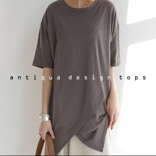 antiqua - antiqua♛ テールデザインTシャツ