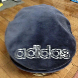 アディダス(adidas)のadidasハンチング(ハンチング/ベレー帽)