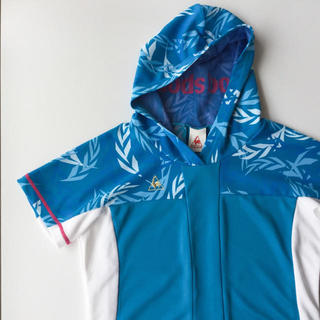 le coq sportif - 【le coq sportif】 フードが付いたブルーのメッシュTシャツ M