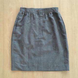 フォクシー(FOXEY)の美品 フォクシー スカート グレー(ひざ丈スカート)