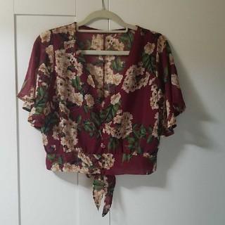 カスタネ(Kastane)の未使用 花柄トップス 羽織り(シャツ/ブラウス(半袖/袖なし))