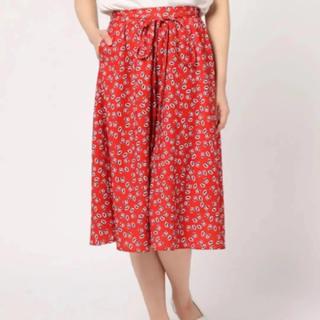 ムルーア(MURUA)のムルーア MURUA フレアスカート 赤 M 小花柄(ひざ丈スカート)