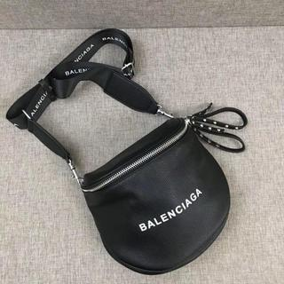 バレンシアガ(Balenciaga)のbalenciaga バレンシアガ レザー ボディバッグ メッセンジャーバッグ(ボディーバッグ)