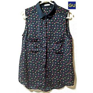 ジーユー(GU)の☆新品タグなし ✿GU✿ フルーツプリント&シフォン♪シャツ/ブラウス☆黒☆(シャツ/ブラウス(半袖/袖なし))