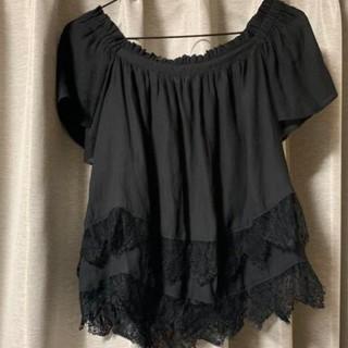 ミスティウーマン(mysty woman)の黒裾レース袖ゆったりトップス(カットソー(半袖/袖なし))