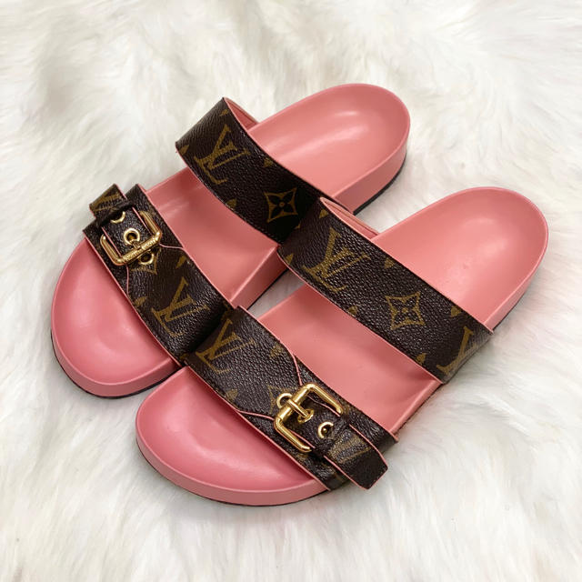 LOUIS VUITTON(ルイヴィトン)の42 ルイヴィトン モノグラム サンダル レディースの靴/シューズ(サンダル)の商品写真
