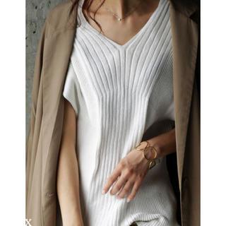アンティカ(antiqua)のアンティカ Vネックニット ホワイト 半袖(カットソー(半袖/袖なし))