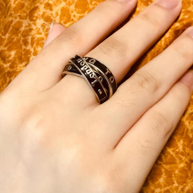 Vivienne Westwood(ヴィヴィアンウエストウッド)のヴィヴィアン ブラック シルバー 3連 リング レディースのアクセサリー(リング(指輪))の商品写真