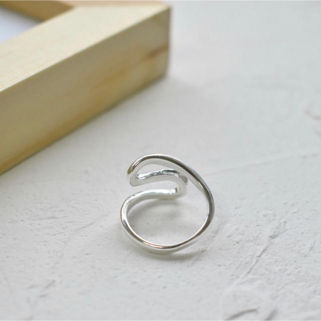 TODAYFUL(トゥデイフル)のシルバー 925 リップル デザイン リング レディースのアクセサリー(リング(指輪))の商品写真