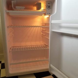 トウシバ(東芝)の東芝 78L 冷凍庫付き冷蔵庫(冷蔵庫)
