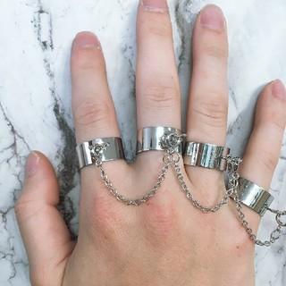 フリーサイズ チェーン付き4連リング 指輪 シルバー(リング(指輪))