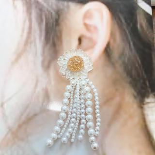 カスタネ(Kastane)のclear flower×pearl tassel pierce*.(ピアス)
