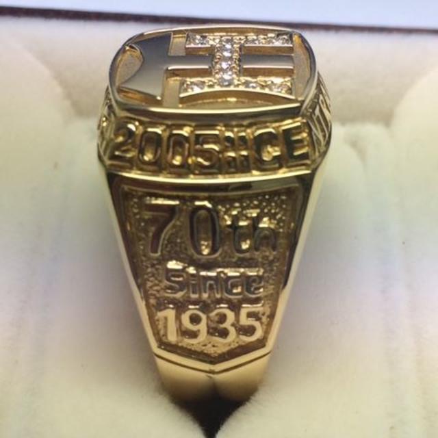 阪神タイガース(ハンシンタイガース)の【美品】 K18YG 2005年阪神タイガース リーグ優勝記念 ダイヤリング D メンズのアクセサリー(リング(指輪))の商品写真