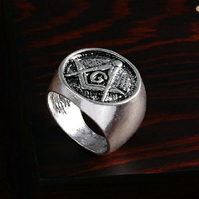 ♠秘密結社 都市伝説 フリーメイソン シンボルマーク シルバーファッションリング メンズのアクセサリー(リング(指輪))の商品写真