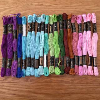 刺繍糸 20本(生地/糸)