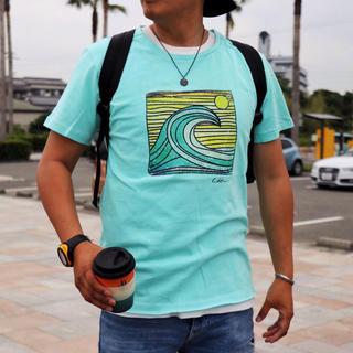 エムエスジイエム(MSGM)のインスタで人気☆LUSSO SURF レトロプリントTシャツ Mサイズ☆ルーカ(Tシャツ/カットソー(半袖/袖なし))