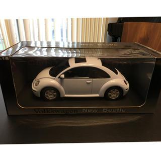 フォルクスワーゲン(Volkswagen)の1/18フォルクスワーゲン■ニュービートル■オートアート(ミニカー)