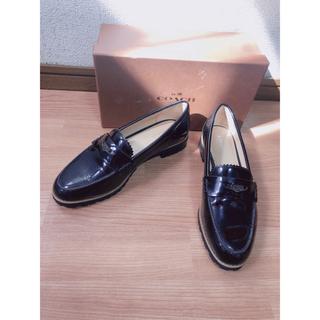 コーチ(COACH)のCOACH 新品 7.5/37.5 パテントレザー ローファー(ローファー/革靴)