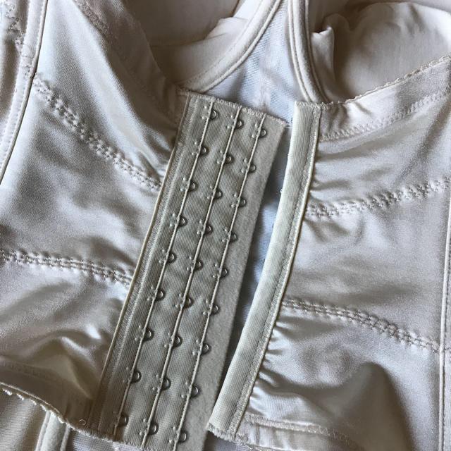 ブライダルインナー 高級ビスチェ E75 レディースの下着/アンダーウェア(ブライダルインナー)の商品写真