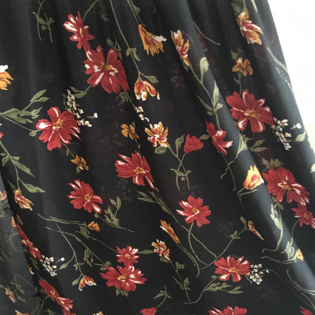 INGNI(イング)の花柄ワンピース レディースのワンピース(ロングワンピース/マキシワンピース)の商品写真