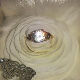 素敵な宝石のリングK18