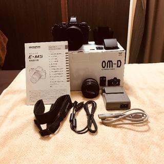OLYMPUS - 【美品】オリンパス OM-D E-M5 レンズセット