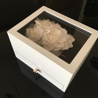 ヨンドシー(4℃)の新品 4℃ブライダル ノベルティ 非売品 ジュエリーボックス リングピロー 白(小物入れ)