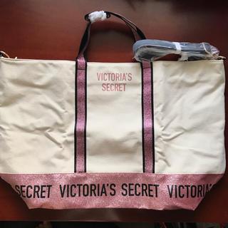 ヴィクトリアズシークレット(Victoria's Secret)の【新品】ヴィクトリアシークレット トートバッグ ダッフルバッグ ギャリーバッグ(ボストンバッグ)